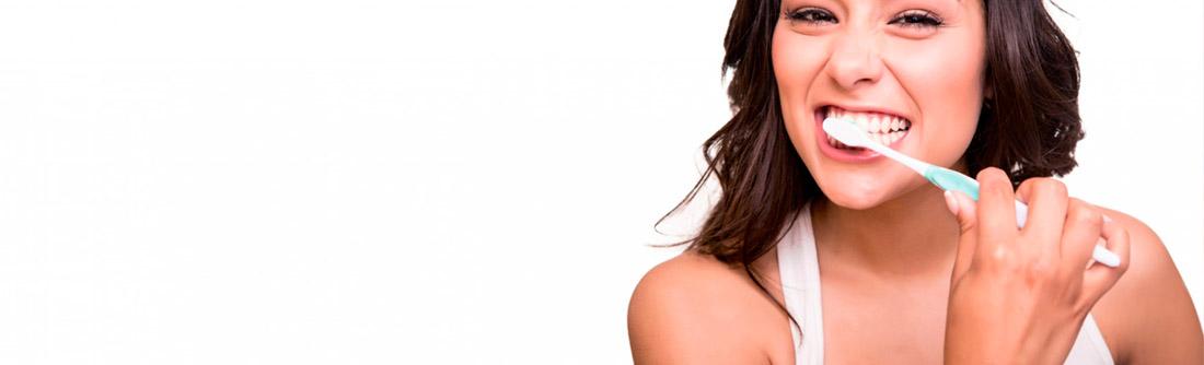 Estetica dental mujer sonrisa